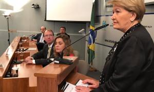 Ana Amélia destaca papel da educação no processo eleitoral
