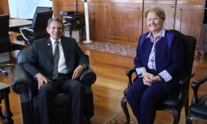 Novo Ministro da Defesa recebe senadora Ana Amélia