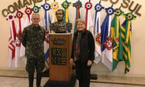 Ana Amélia visita Comando Militar do Sul