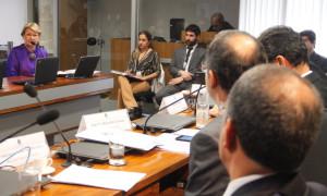 Especialistas debatem alternativas para combater empresas sonegadores de impostos