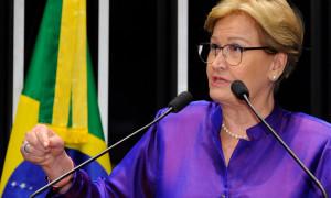 Ana Amélia votou para manter senador mineiro afastado do mandato