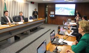 Empresa chinesa fecha acordo para investir no setor elétrico gaúcho