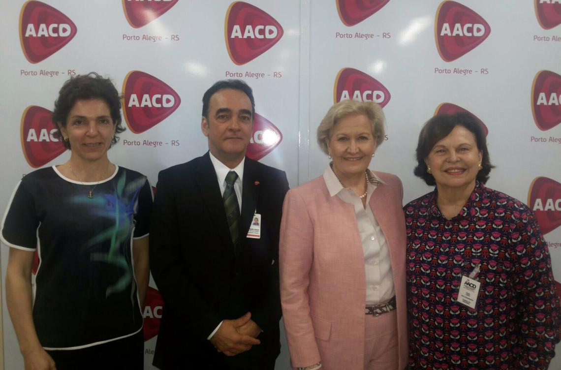Associação de Apoio à Criança Deficiente, em Porto Alegre, recebe a senadora Ana Amélia