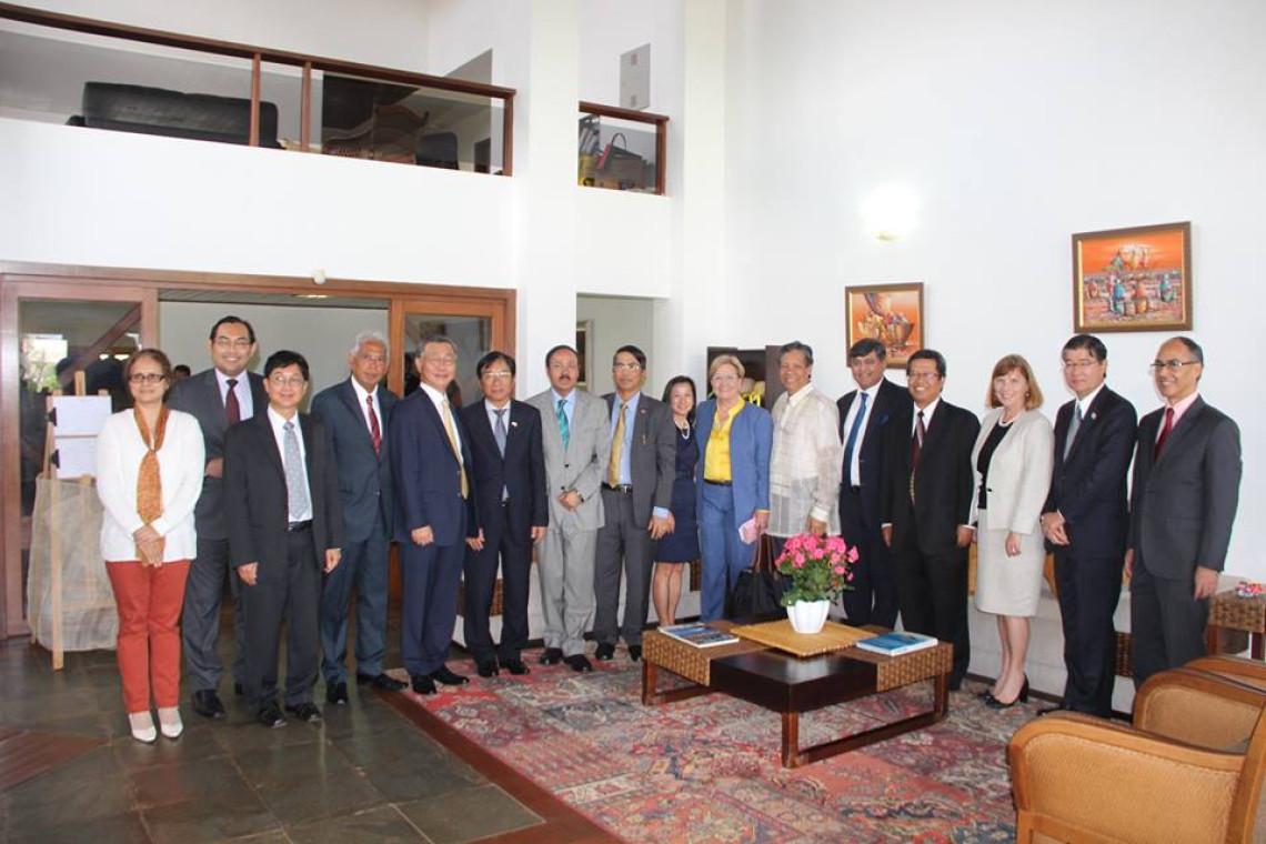 Ana Amélia palestra para embaixadores da Ásia e Oceania sobre os desafios do Brasil