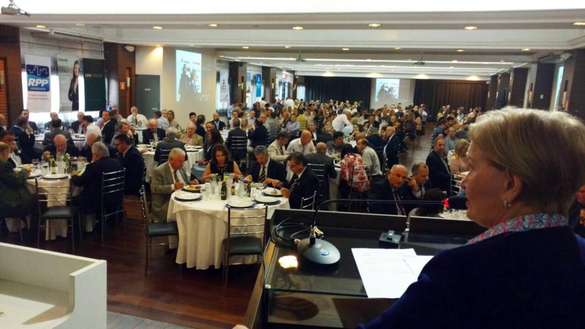 Ana Amélia reafirma posição contra lista fechada e anistia ao Caixa 2 em palestra a empresários na CIC Caxias do Sul
