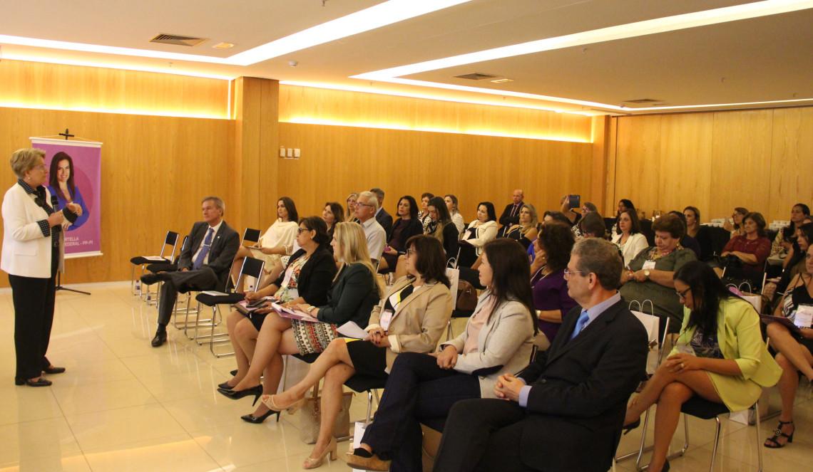Mulheres progressistas participam de palestras em Brasília