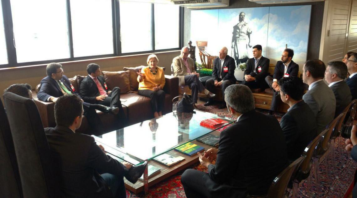 Senadora participa de encontro com líderes empresariais em Porto Alegre