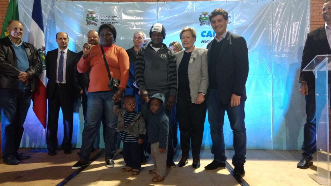 Famílias de Lajeado recebem imóveis do programa Minha Casa Minha Vida
