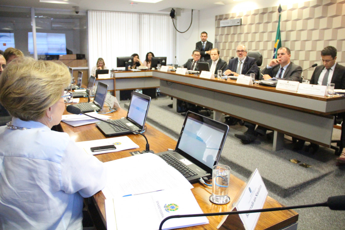 Participantes de audiência apontam medidas para diminuir evasão no Pronatec
