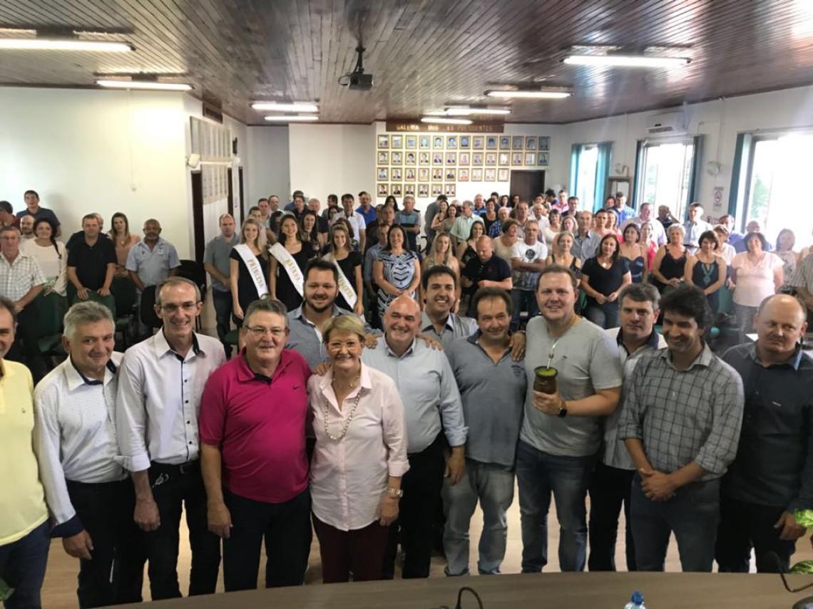 Em Jacutinga, Ana Amélia se reúne com lideranças e comunidade