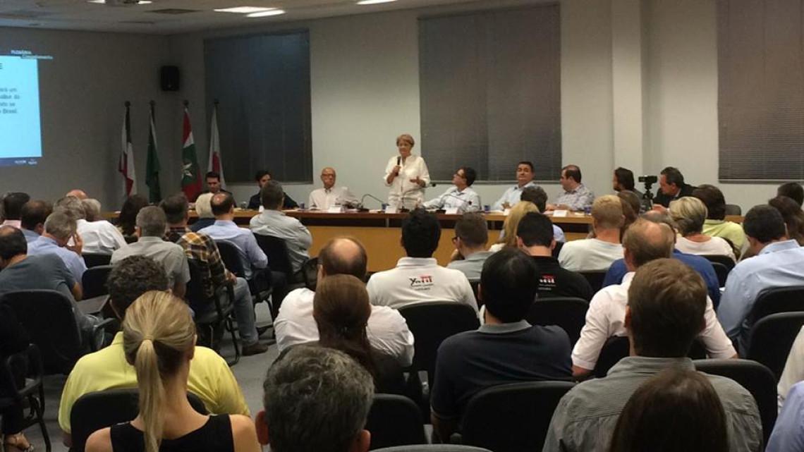 Em Jaraguá do Sul, Ana Amélia conversou com lideranças e empresários sobre ética