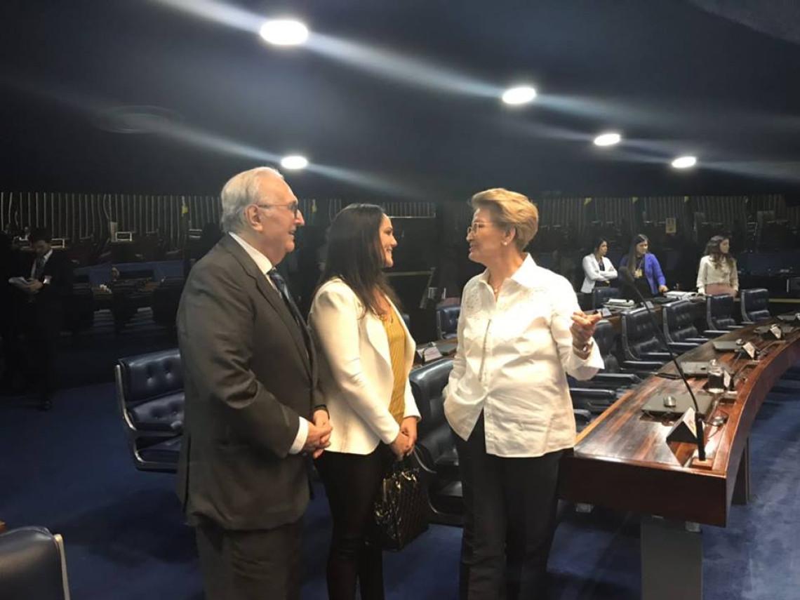 Ana Amélia recebe vice-prefeita de Canoas