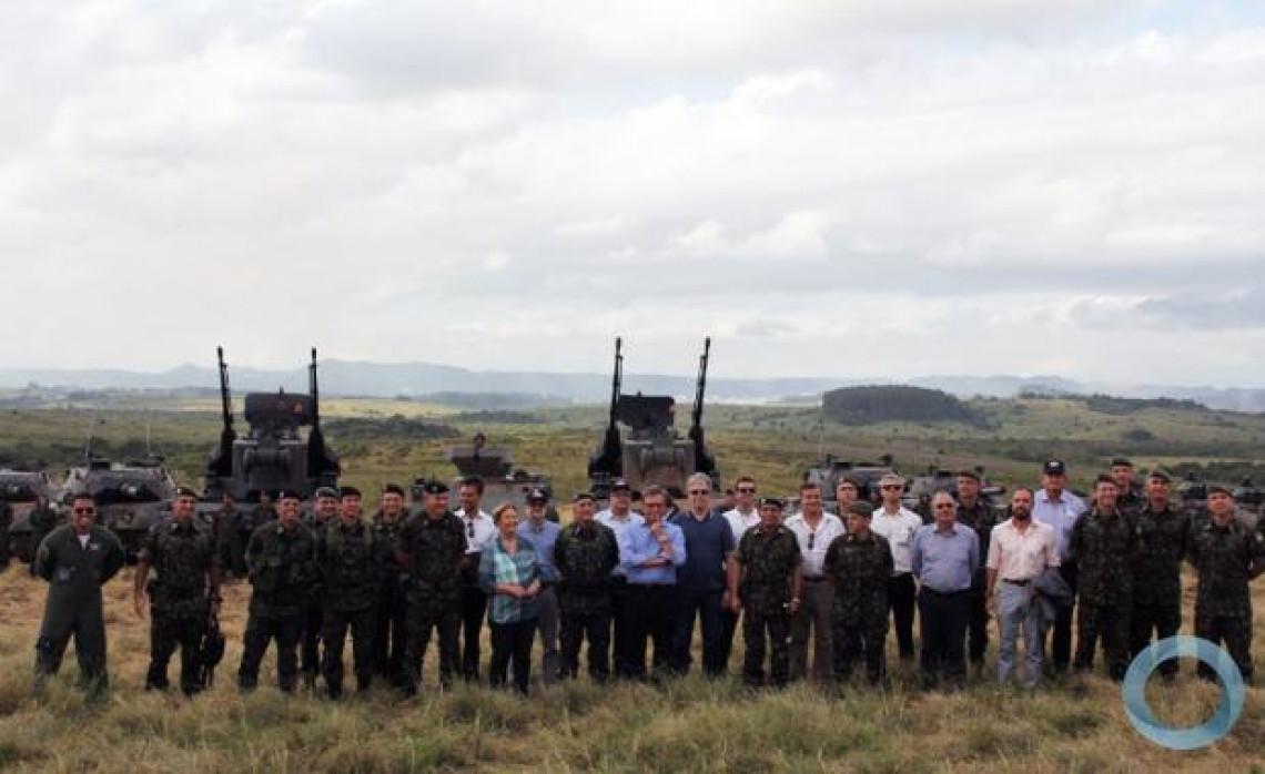 Lideranças visitam Organizações Militares em Santa Maria