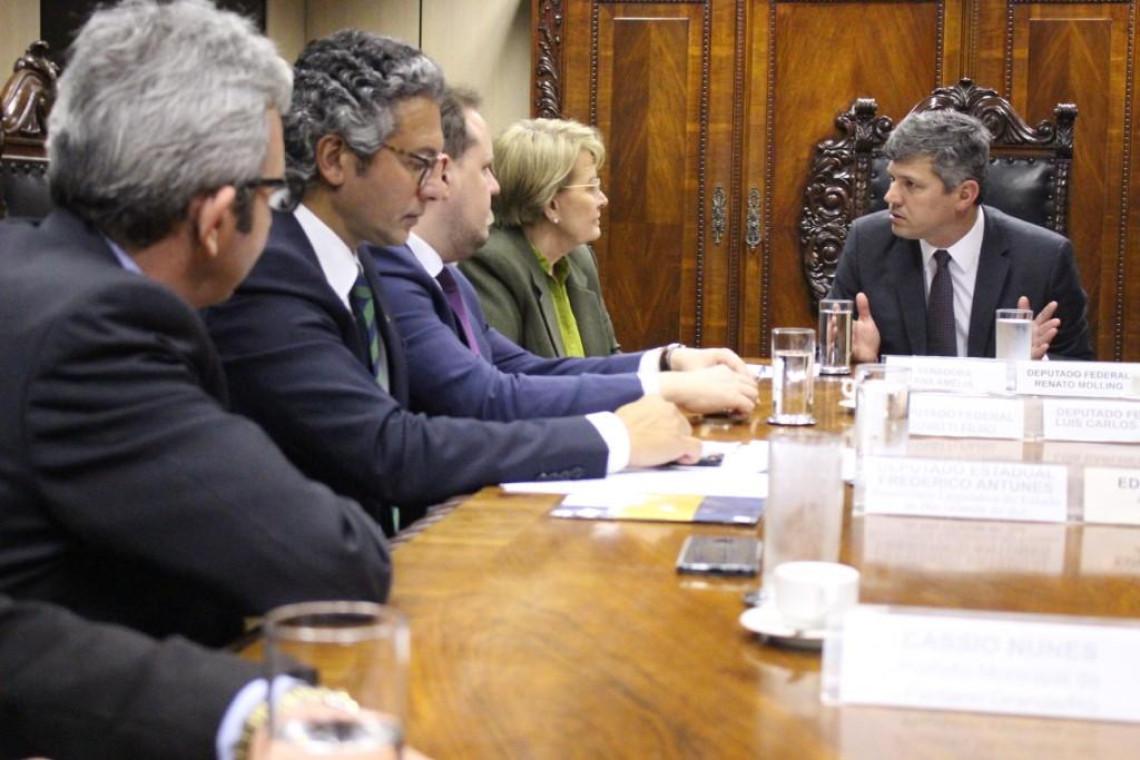 Ministro analisa recursos para obras e manutenção da BR 290