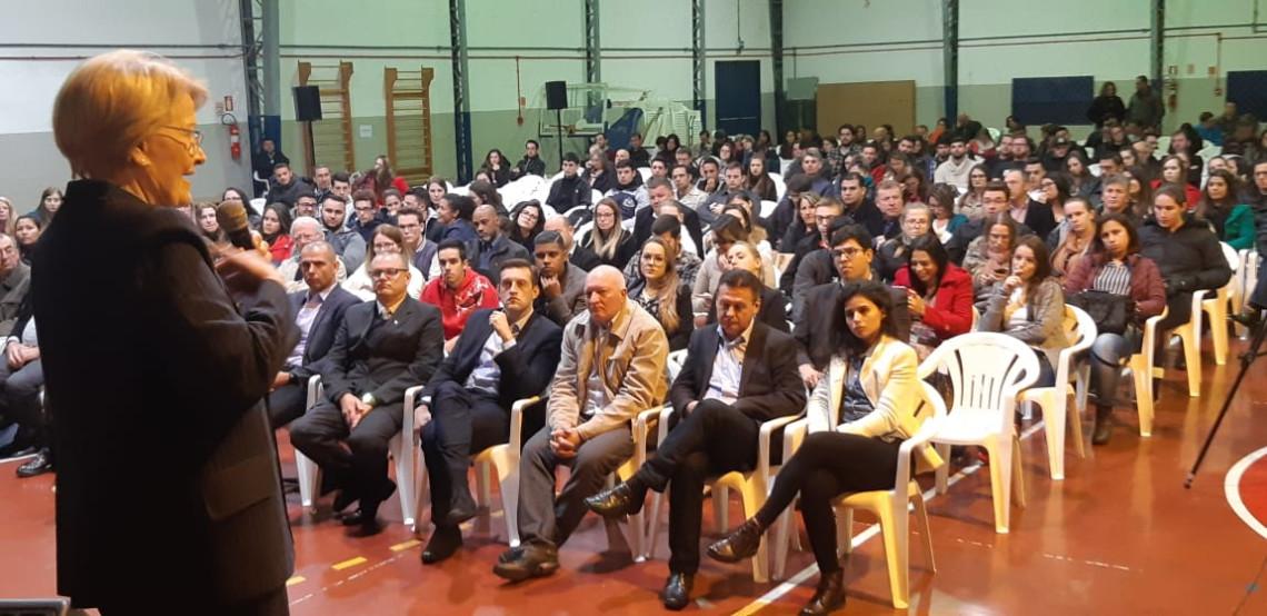 Em Bento Gonçalves, Ana Amélia fala sobre austeridade com recursos públicos e ética