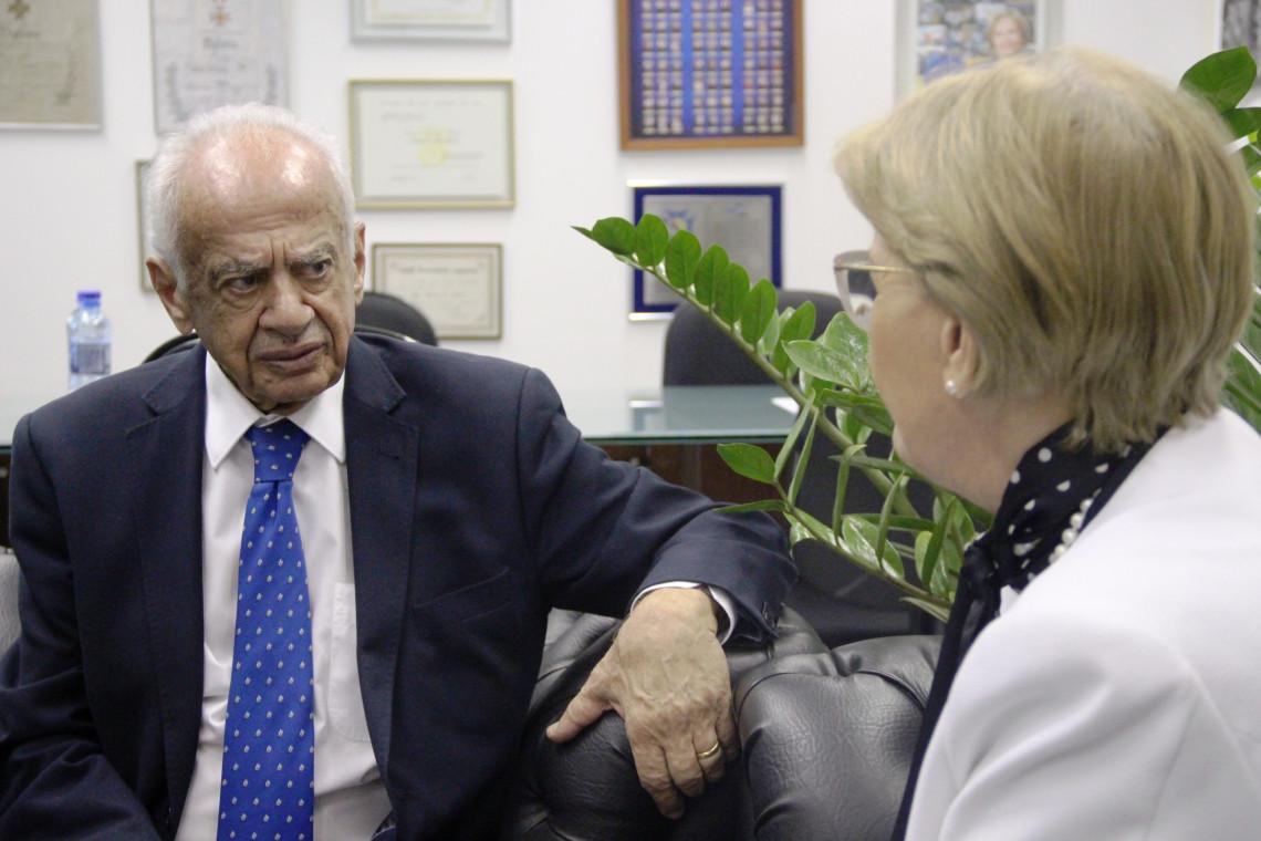 Pedro Simon é recebido pela senadora Ana Amélia