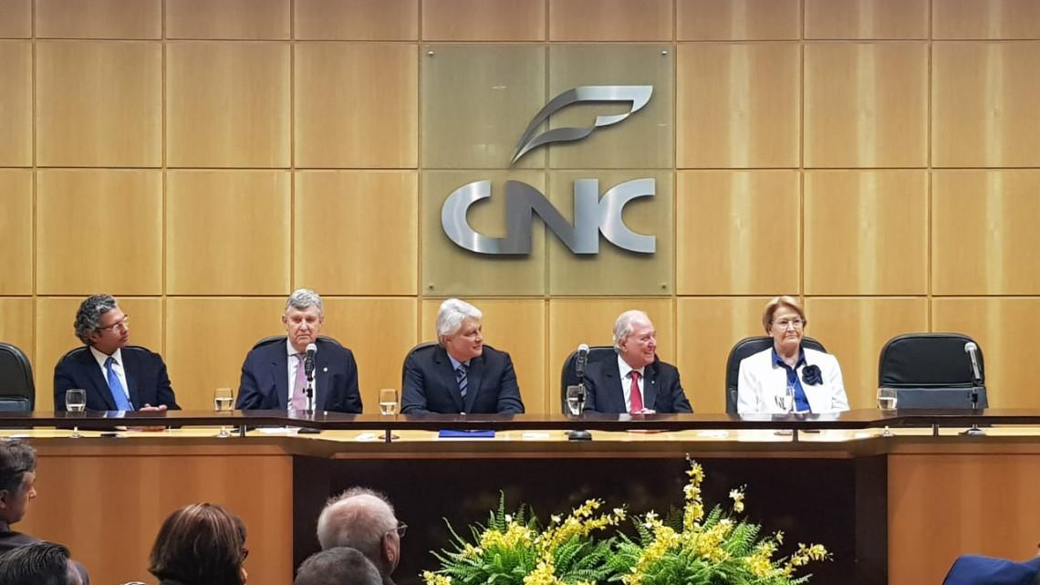 Nova diretoria da Feaduaneiros é empossada em Brasília