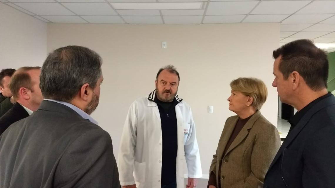 Referência na Capital, Hospital Vila Nova recebe apoio da senadora Ana Amélia