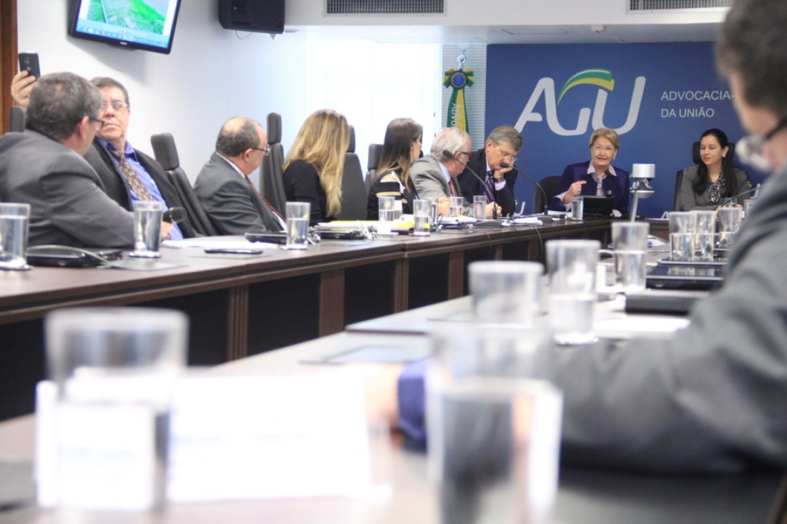 AGU pedirá suspensão de reintegração de posse em áreas próximas a ferrovia