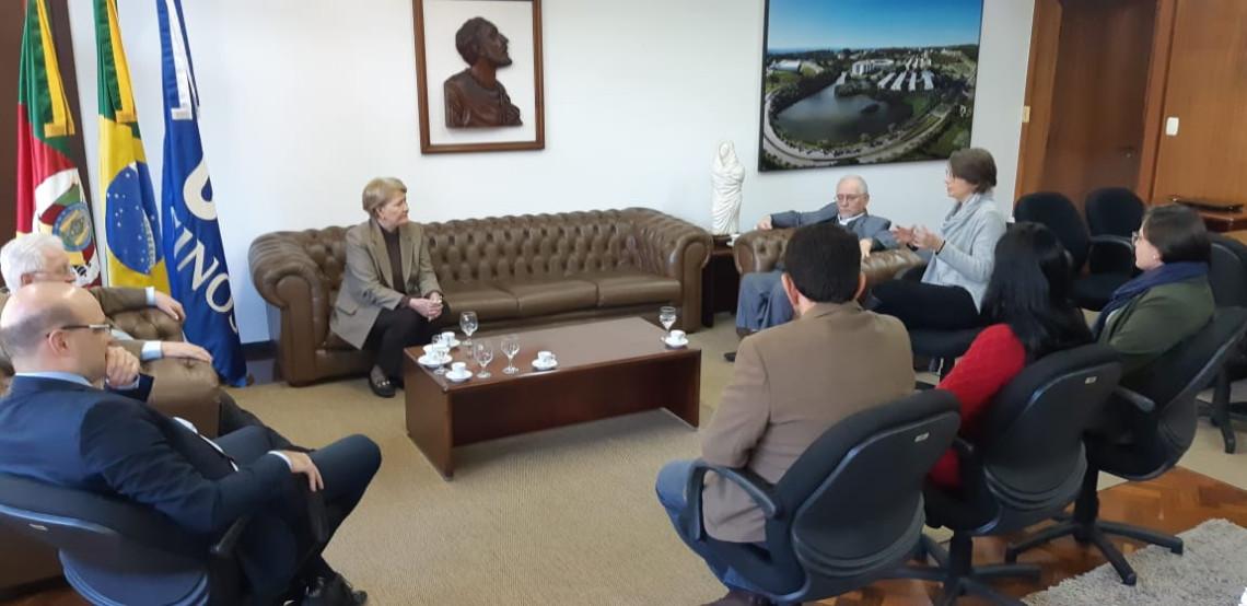 Em visita à Unisinos, Ana Amélia fala sobre projeto de incentivo a pesquisa e recebe demandas