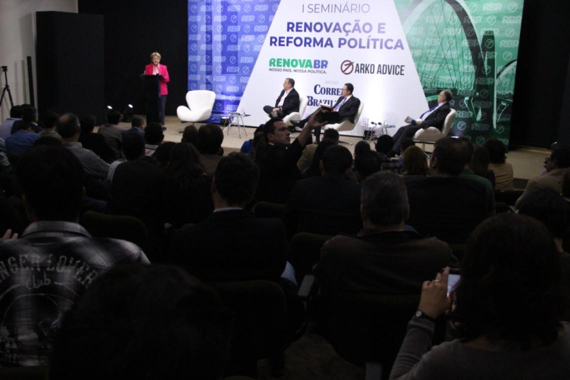 Movimento debate renovação e reforma política