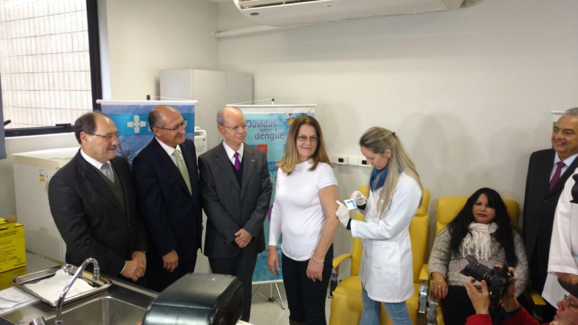 Começam, em Porto Alegre, testes da primeira vacina brasileira contra dengue