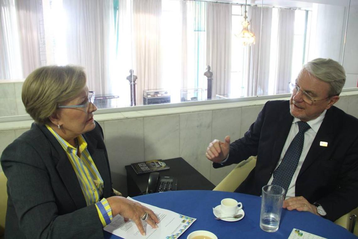 Presidente da Frente Nacional dos Prefeitos convida Ana Amélia para encontro dos Municípios em Brasília