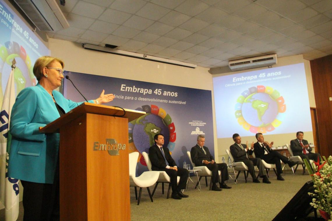 Embrapa comemora 45 anos de criação com foco no futuro da pesquisa agropecuária