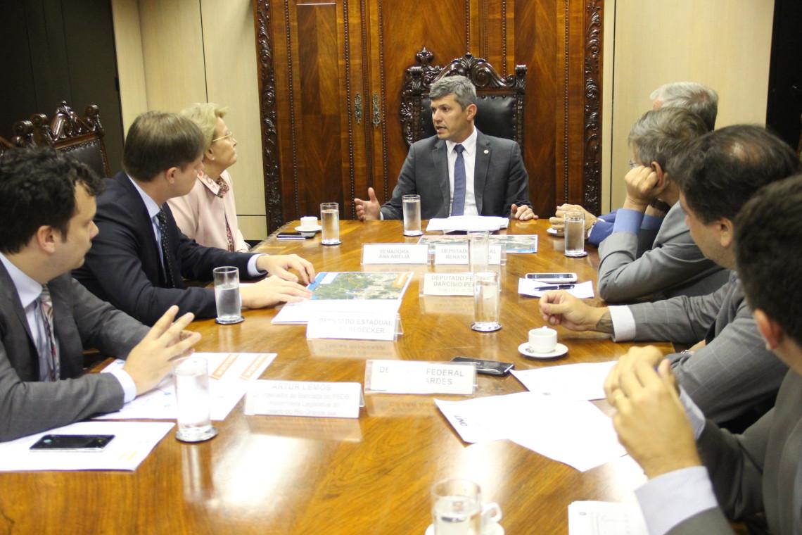 Ministro dos Transportes garante recursos para a extensão da BR 448