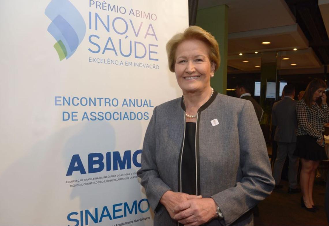 """""""Solução para os problemas do Brasil passa pela política"""", diz Ana Amélia"""