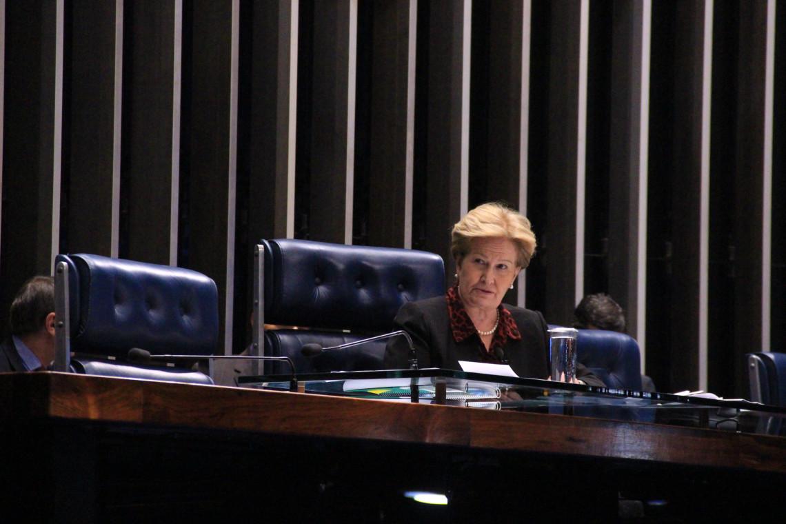 Senadora considera acertada decisão do STF em rejeitar reajuste salarial para juízes