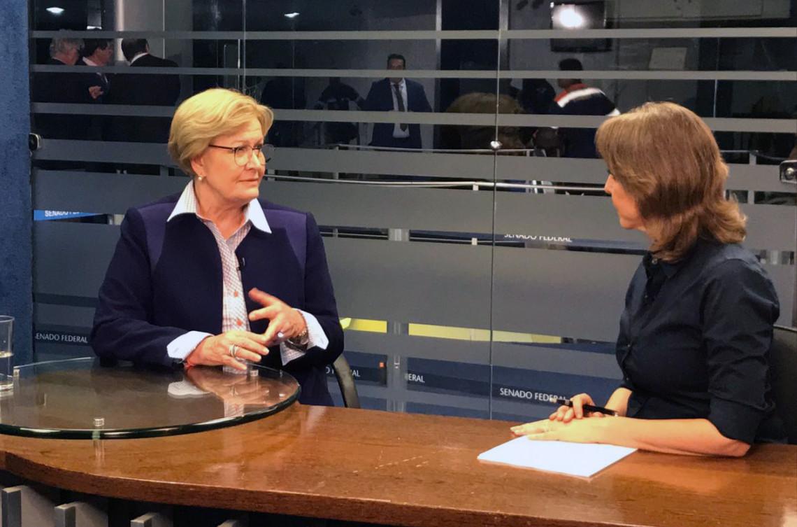 TV Senado: Ana Amélia destaca projeto para estimular investimentos em pesquisas nas universidades