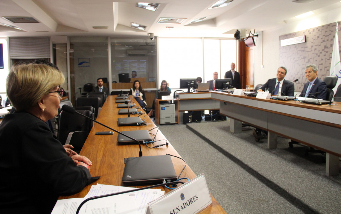 CRE debate com diretor da OMC as perspectivas comerciais na globalização