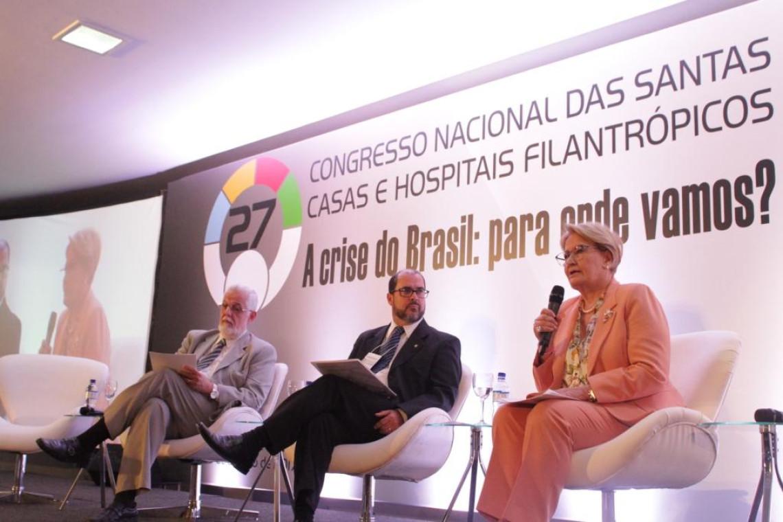 Ana Amélia apresenta iniciativas de apoio às Santas Casas e hospitais filantrópicos
