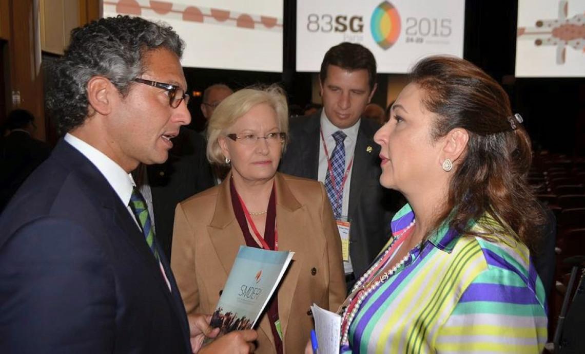 Ministra Kátia Abreu assina decreto que oficializa acordo binacional Brasil-Argentina