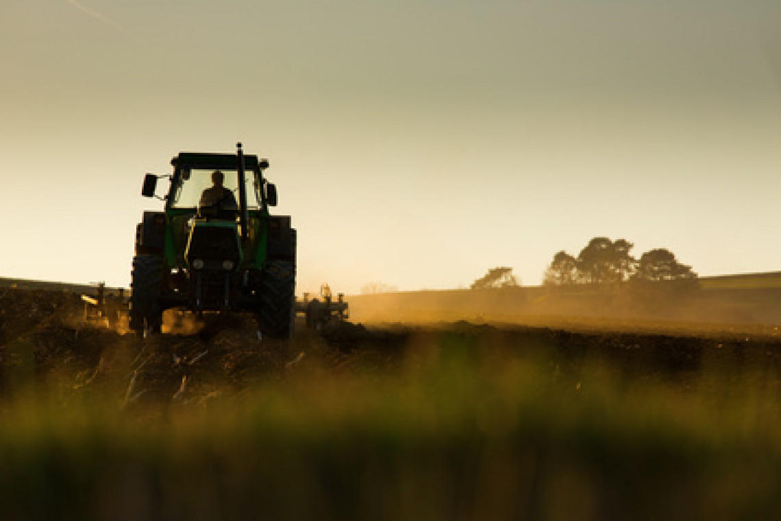Aprovada a medida que acaba com o emplacamento de máquinas agrícolas