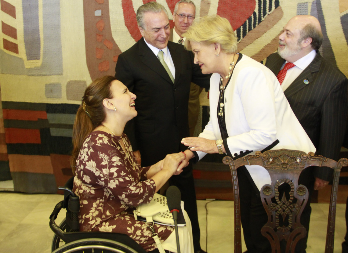 Senadora participa de eventos com a vice-presidente da Argentina no Itamaraty e no Congresso Nacional