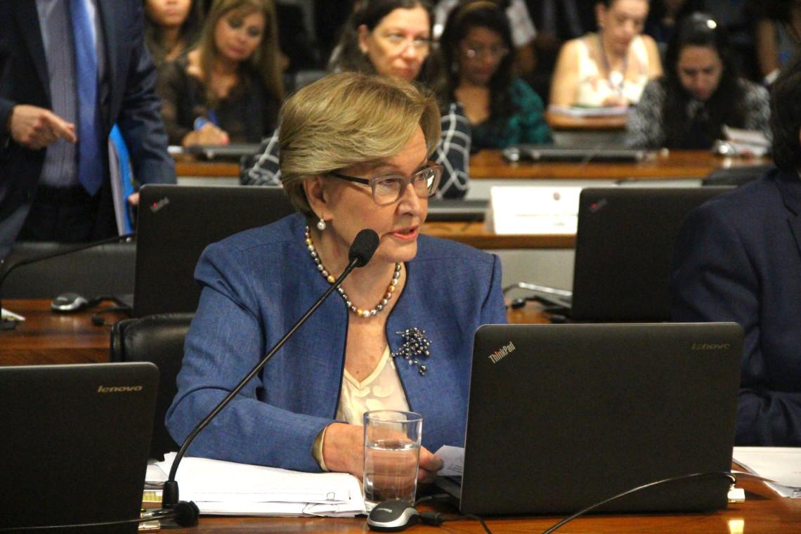 Regulamentação das pesquisas clínicas em humanos é aprovada em comissão