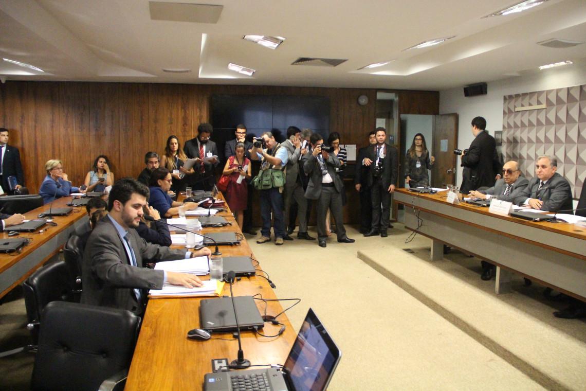 Comissão mista aprova MP do Ensino Médio com poucas alterações no relatório final