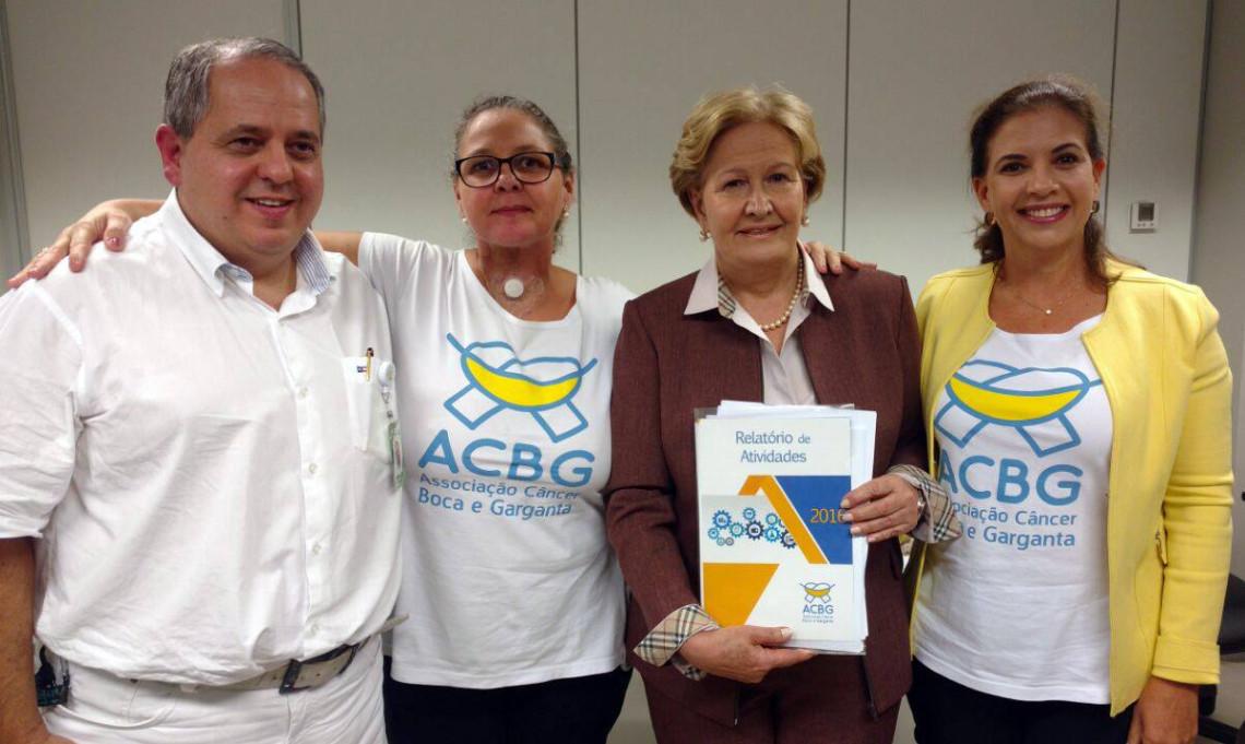 Presidente da Associação Câncer Boca e Garganta é recebida pela senadora