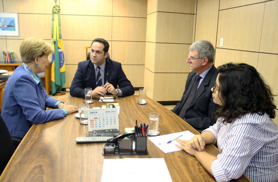 Edital para implementação do curso de medicina em Ijuí é tema de audiência no Ministério da Educação