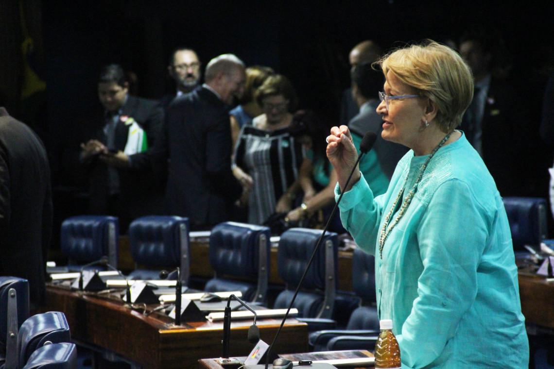 Ana Amélia vota contra projeto de abuso de autoridade e a favor da PEC que acaba com foro privilegiado