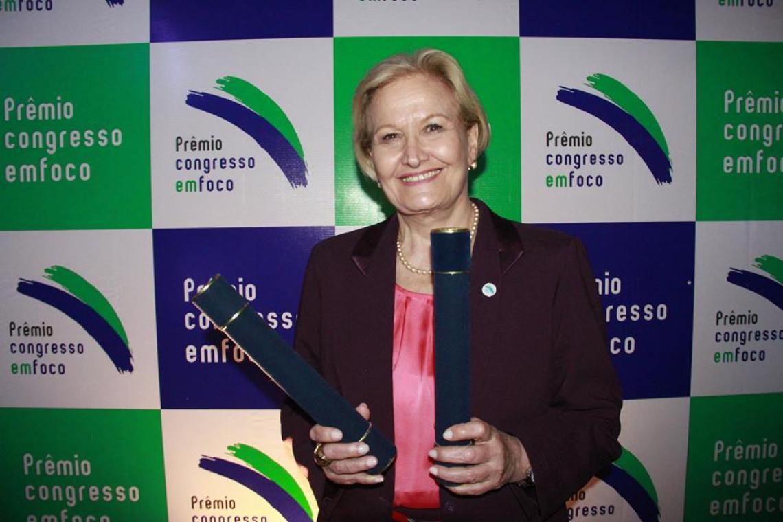 Senadora Ana Amélia recebeu 120 premiações em sete anos de mandato