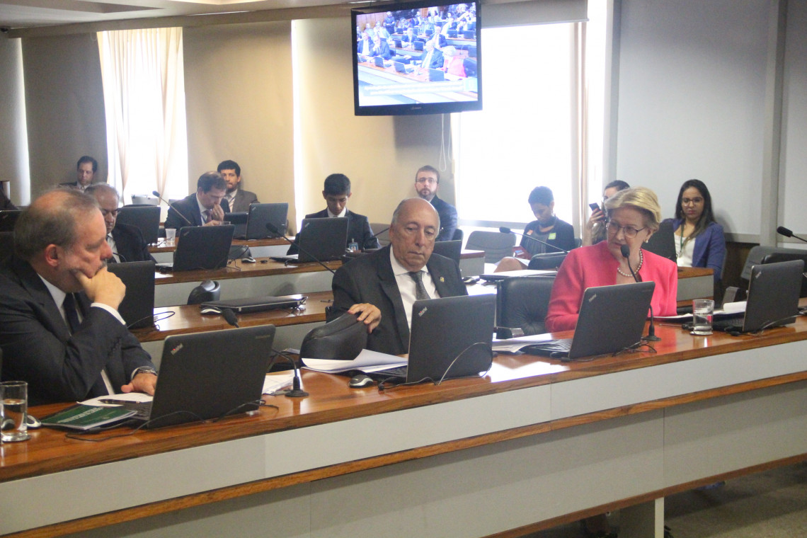 Comissão apresenta propostas para melhorar produtividade da economia