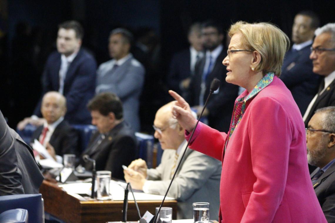 Senadora manifesta posição contrária e PL do Abuso de Autoridade não é votado no Plenário
