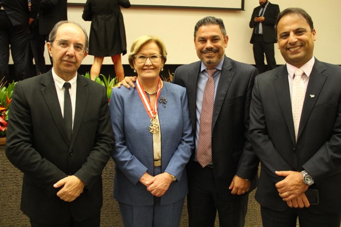 Associação Nacional do Ministério Público agracia senadora com a Medalha da Ordem do Mérito