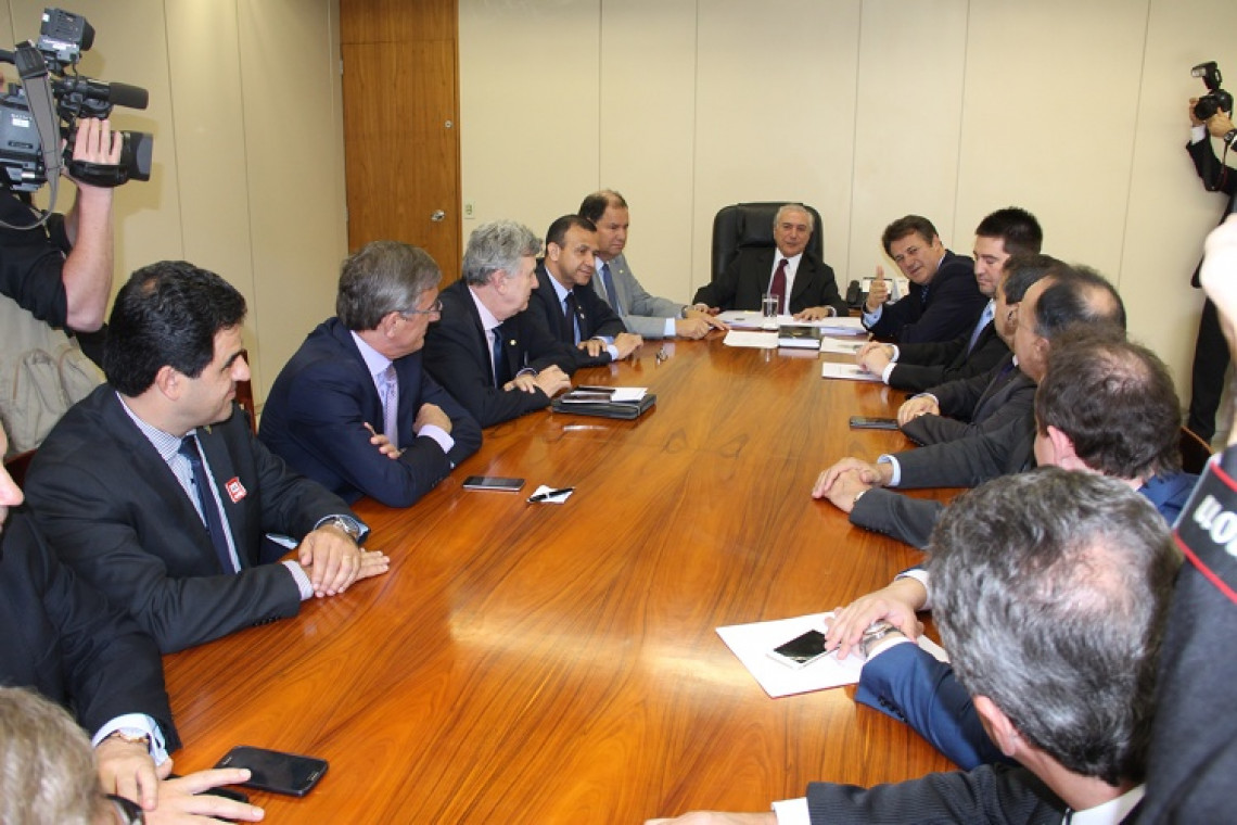 Bancada gaúcha cobra aumento nos repasses para a saúde em reunião com o vice-presidente da República