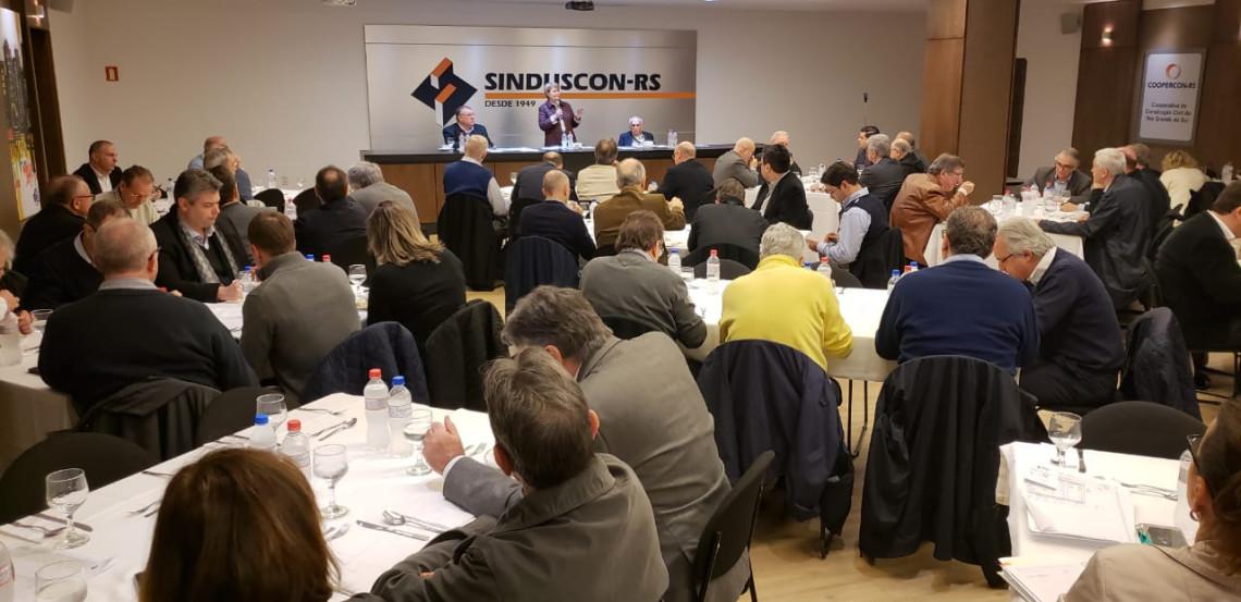 Em palestra no Sinduscon Ana Amélia critica aumento de salários para parlamentares