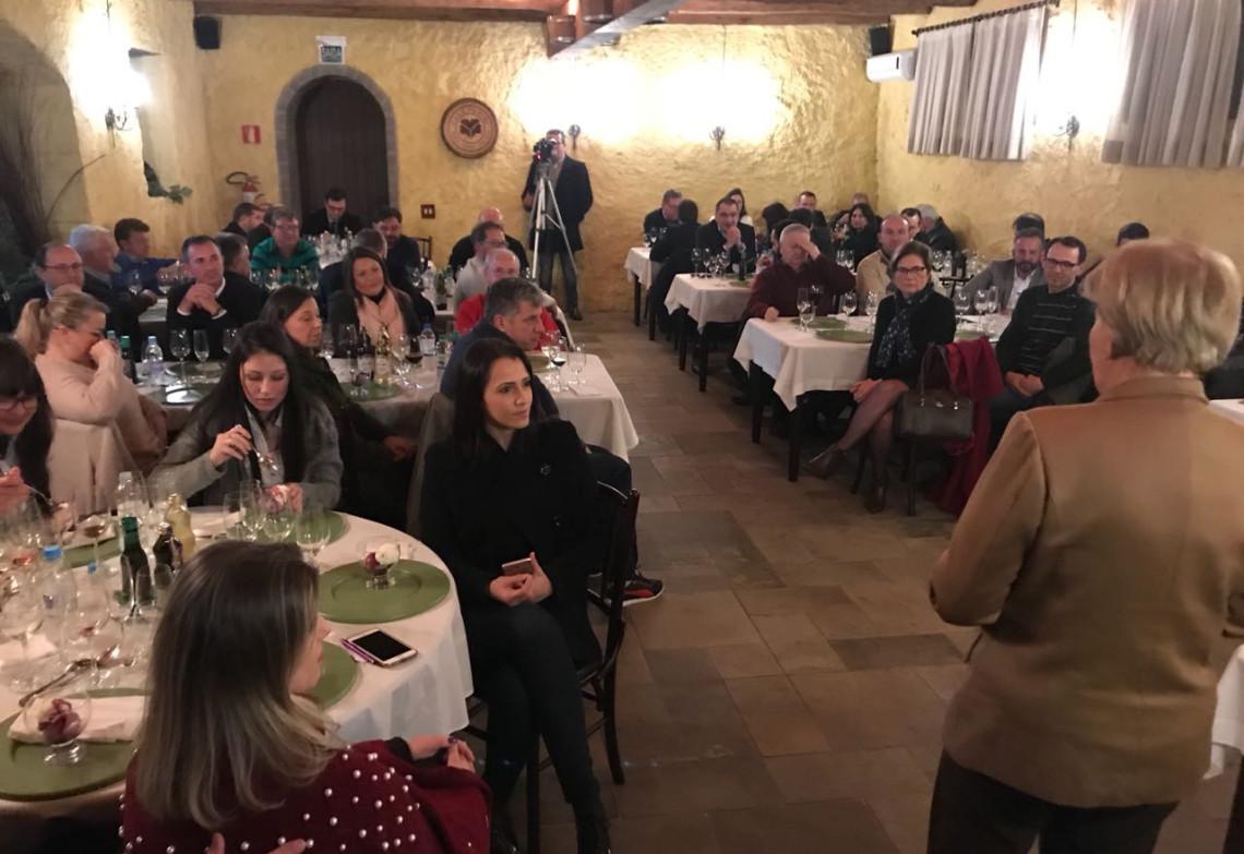 Empresários de Farroupilha entregam demandas para Ana Amélia