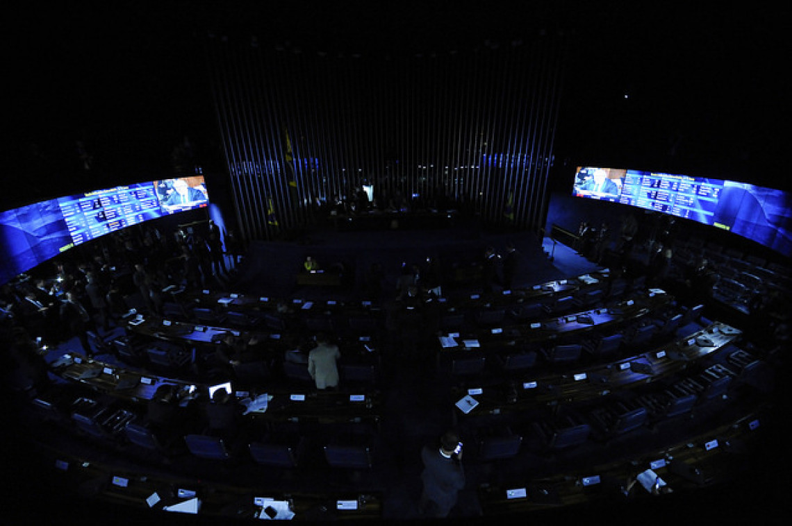 Senadores recorrem ao Conselho de Ética contra senadoras que ocuparam plenário